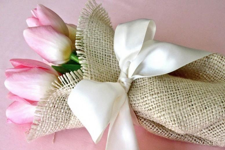 Какие подарки дарить на годовщину свадьбы 513