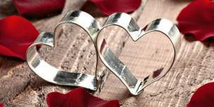 8 лет свадьбы жестяная годовщина