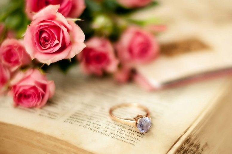 Поздравления на 10 лет свадьбы в стихах, смс, тосты