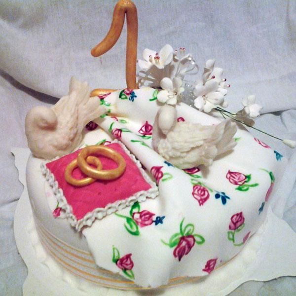 Торт на 1 год свадьбы лебеди