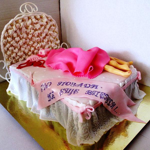 Торт на 1 год свадьбы кровать молодые