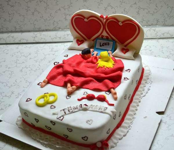 Торт на 1 год свадьбы кровать
