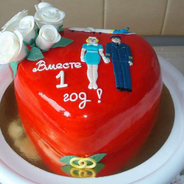 Торт на 1 год свадьбы форма сердце красный