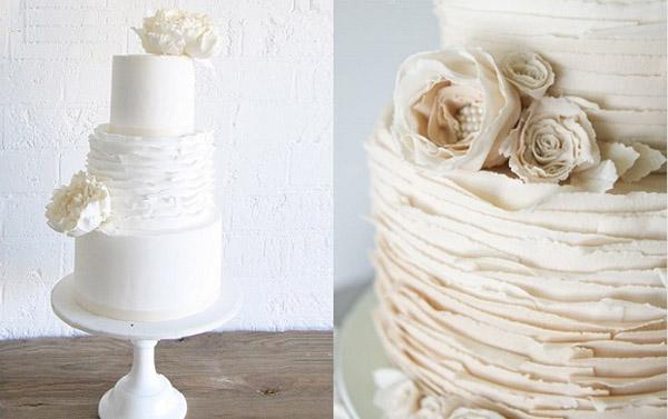 Торт в виде оторванных листов бумаги