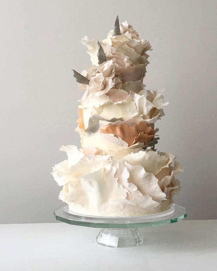 Торт рваные листы бумаги
