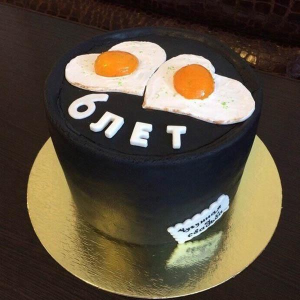 Торт в виде чугуна на 6 лет свадьбы