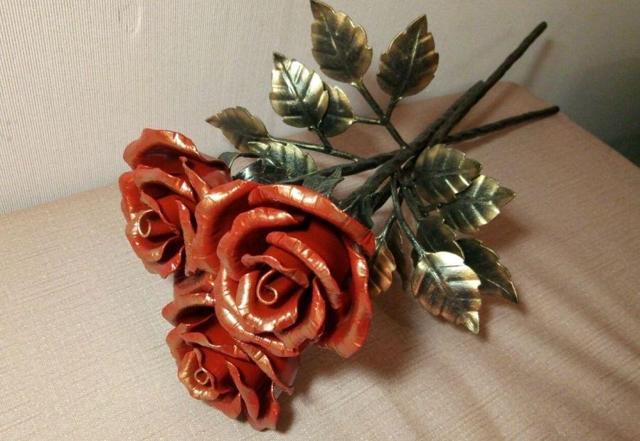 розы из жести